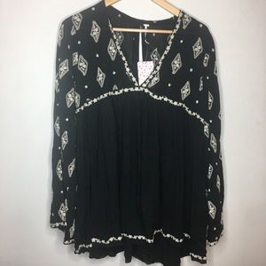 Free people embroidered boho top NWT XS